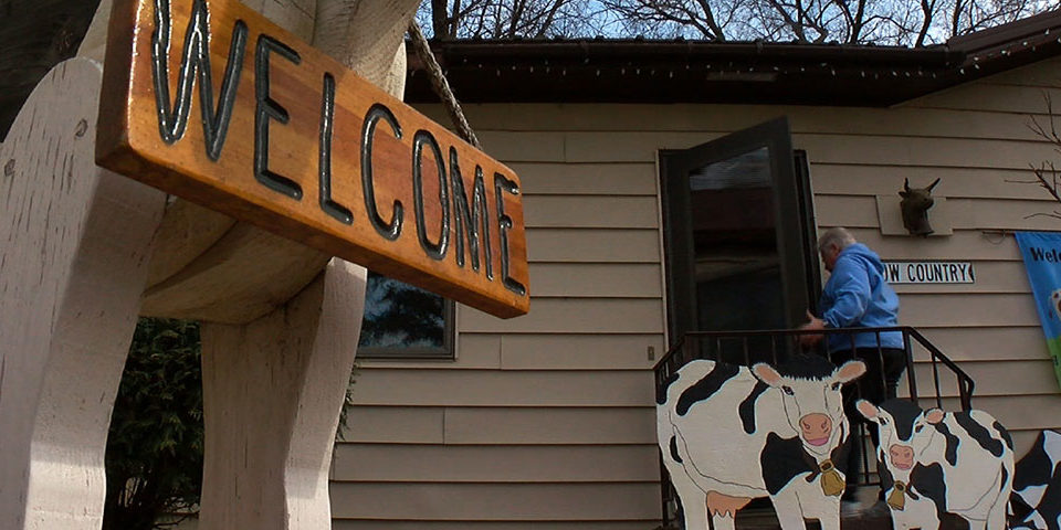 2016-03-13 Moo-seum Worlds-largest Cow Collection